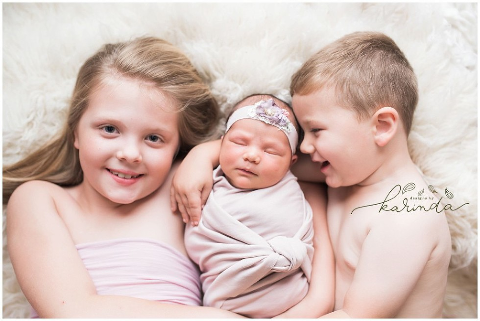 Sibling Newborn Photographer The Woodlands